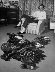 Fred Astaire and his dancing shoes -- cool ;)